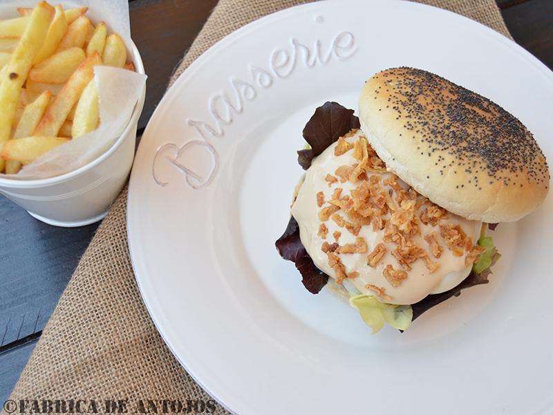Fabrica de Antojos - Hamburguesa con salsa Teriyaki