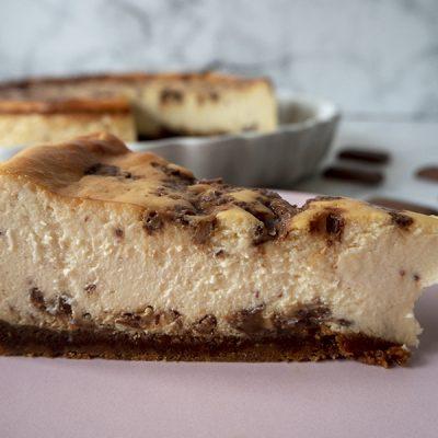 Cheescake con caramelo y chocolate - Fabrica de Antojos